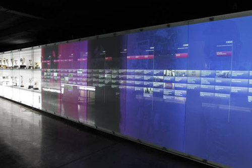 Camp Nou Experience : Interactive touchscreens at the museum