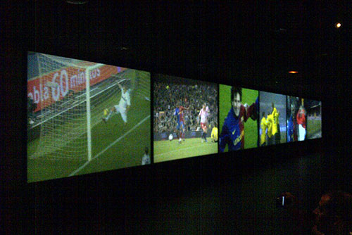 Camp Nou Experience : 35 meter-long screen